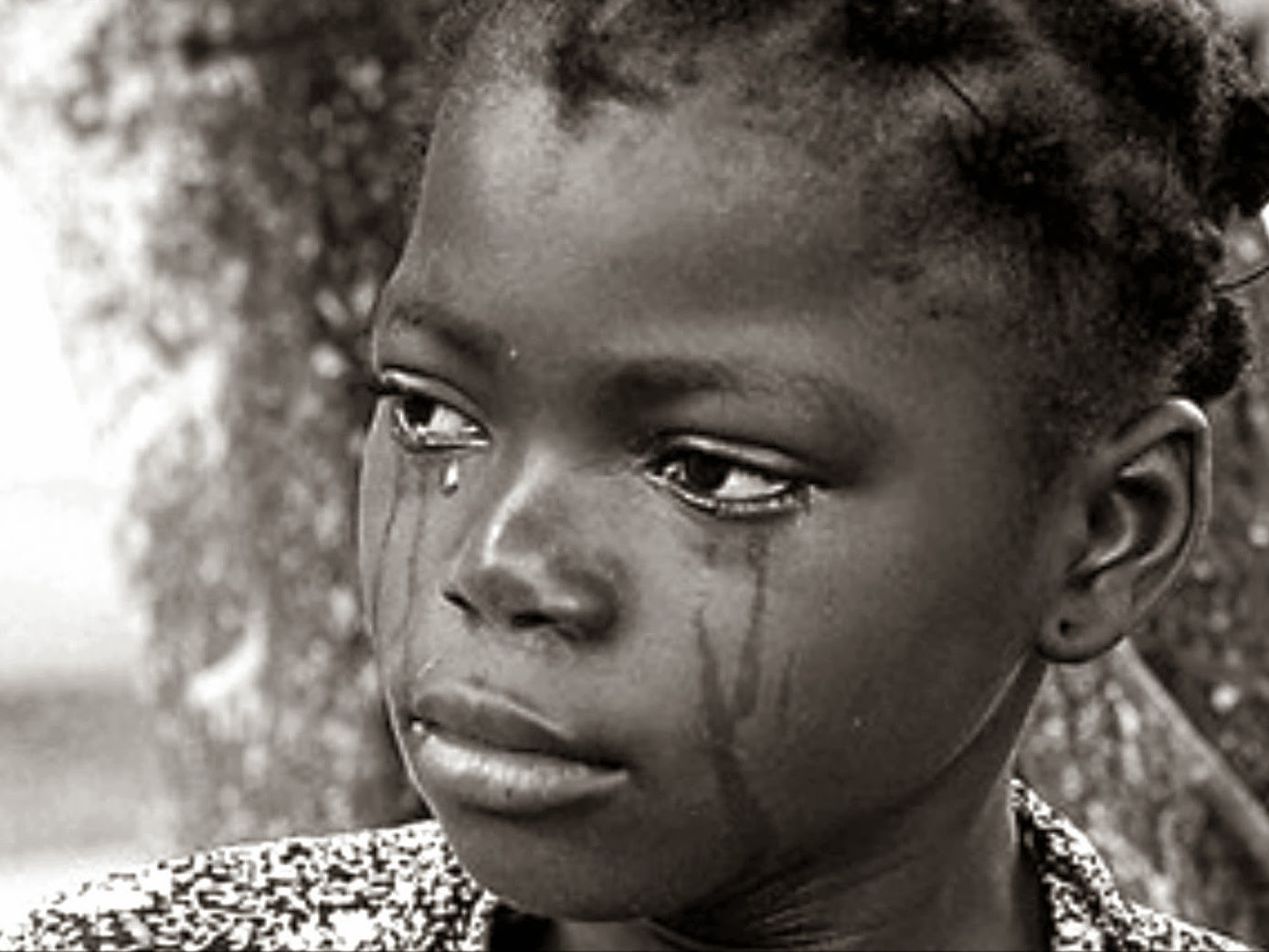 Mauritanian girl crying
