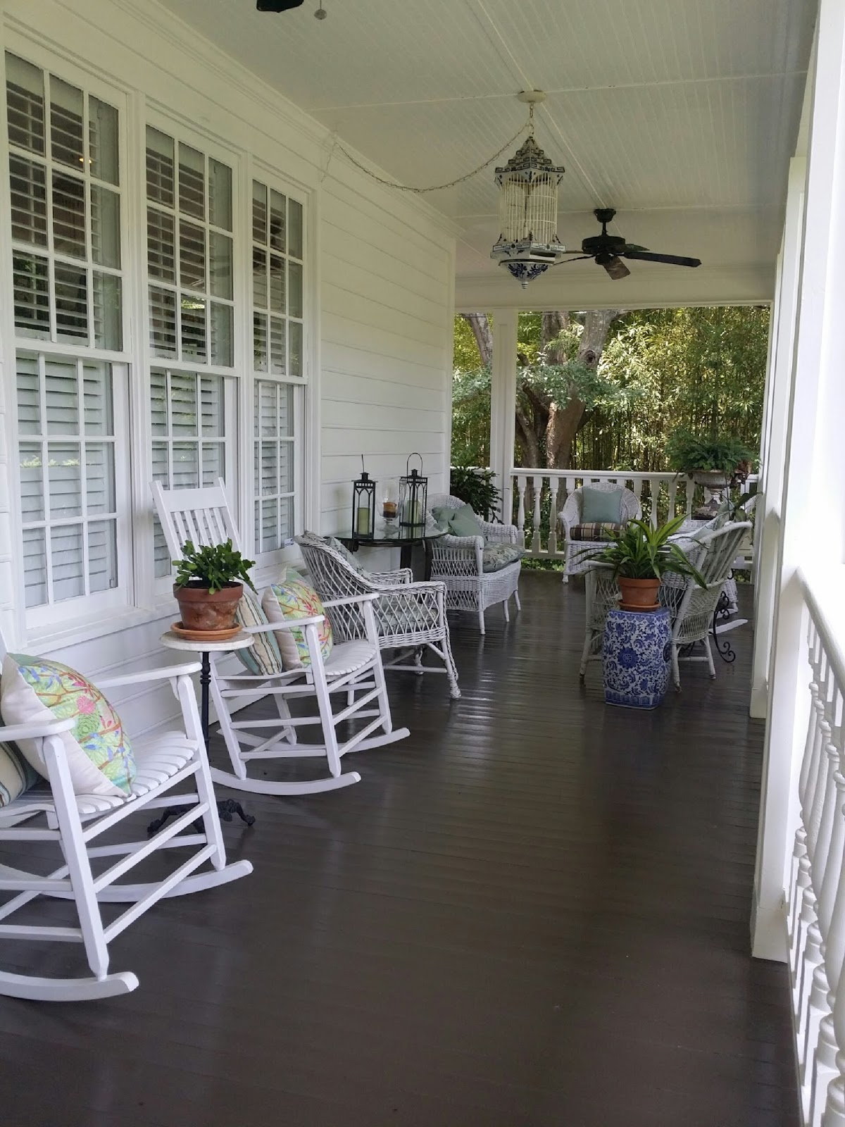 Tara Dillard Front Porch Furniture Placement