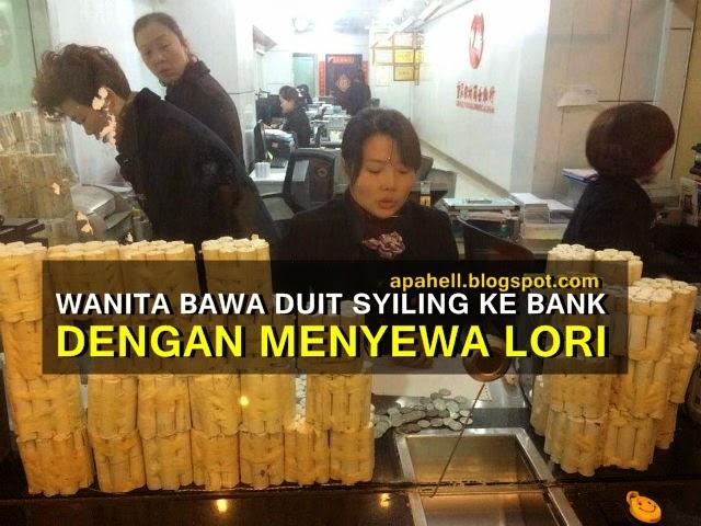 Wanita Sewa Lori Bawa Duit Syiling Ke Bank (3 Gambar)