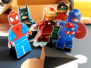 display com cone lego marvel