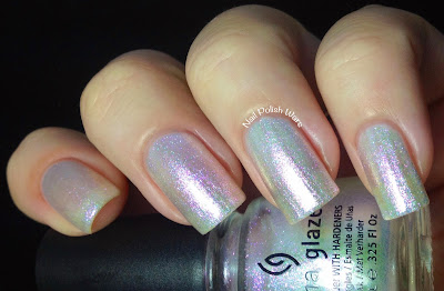 Travel In Colour Is A Limited Edition Iridescent Shimmer Top Coat The Formula Was Smooth And Easy To Apply It Makes An Amazing Shimmering Color Shift For
