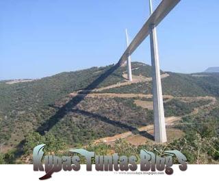 Millau Viaduct III - [www.zootodays.blogspot.com]