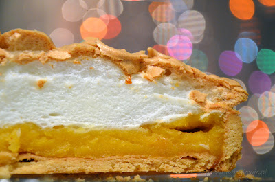 lemon tart with meringue, lemon curd,