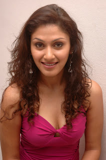 Manjari Phadnis hot pictures