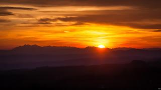 Zachód Słońca za Tatrami, widok z Głobikowej 2015.12.27. fot. Radosław Wierzbiński