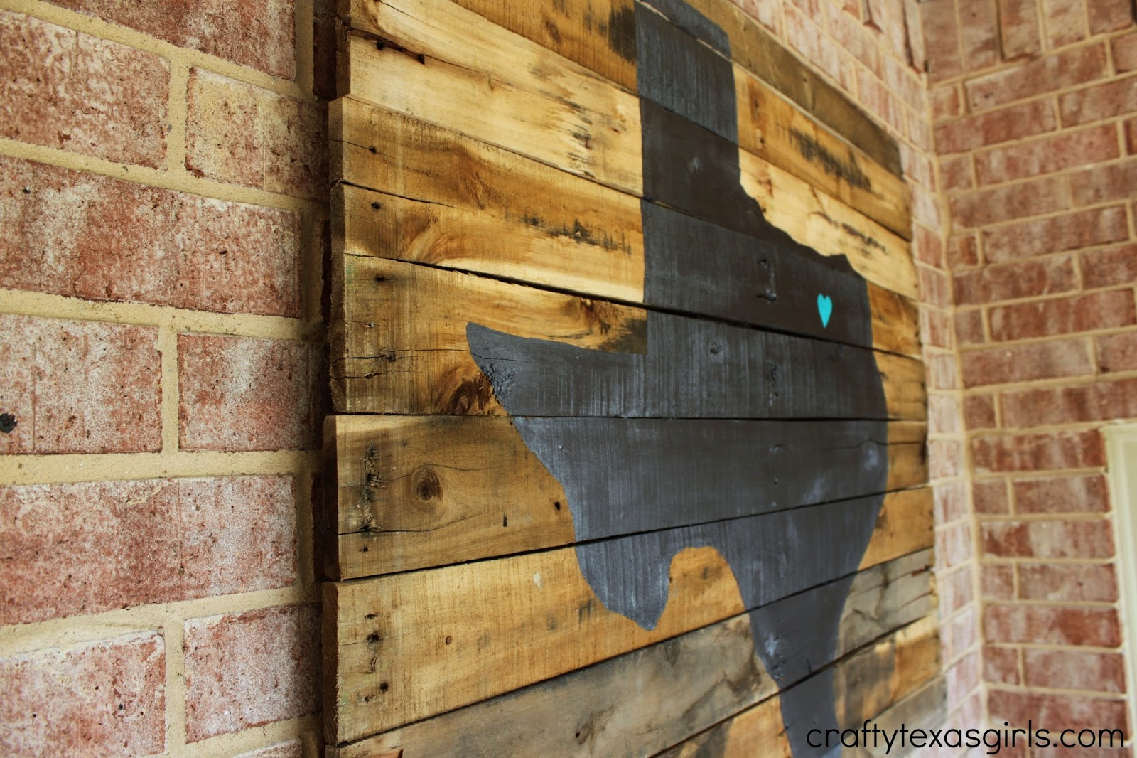 Apartment Bar Pallet Projects: Why yes i made it thanks. Rustic ...