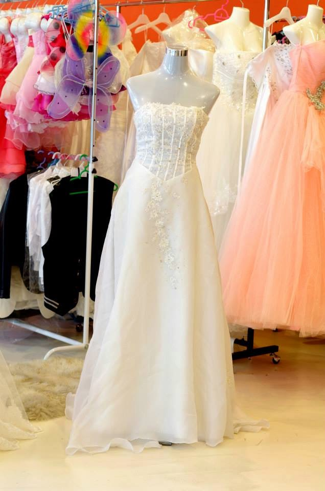 Bridal gowns 2014 with sleeves sweetheart neckline for Wedding dresses for rental