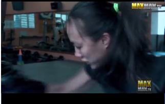 Gadis menghajar 3 pelatih Muay Thai
