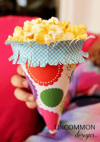 Como hacer un cono de palomitas para fiesta infantil - Preparar fiesta infantil ...