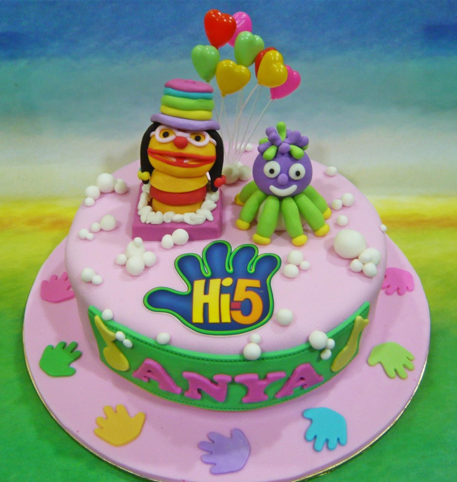 Jenn Cupcakes Muffins Hi 5 Theme Cake