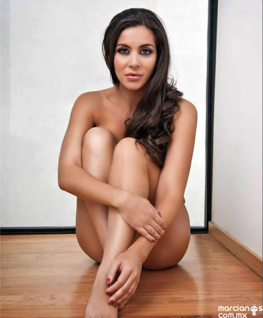 Model Julia Orayen's without Dress
