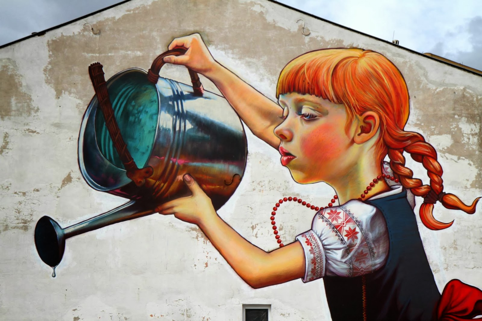 Natalia rak new mural for folk on the street bia ystok for Mural dziewczynka z konewka