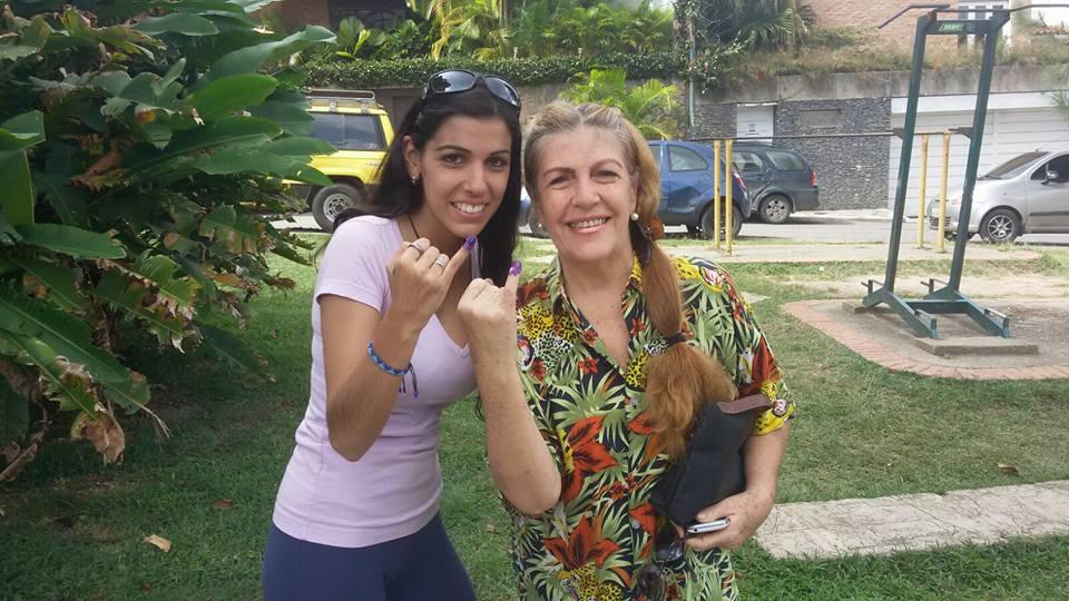 Dolores Señaris Calviño y Zhandra Bermudez.