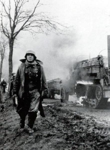foto penyambutan pahlawan perang di kampung halaman