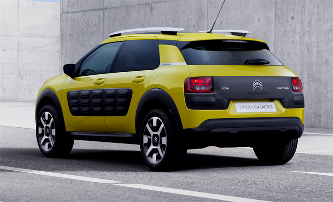 2014 Citroen C4 Cactus rear view