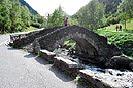 4 Fotografías del puente románico de Ordino, Andorra