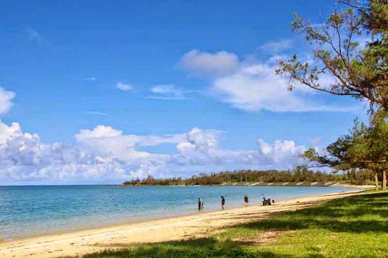 Izena Beach,island,beachgoers