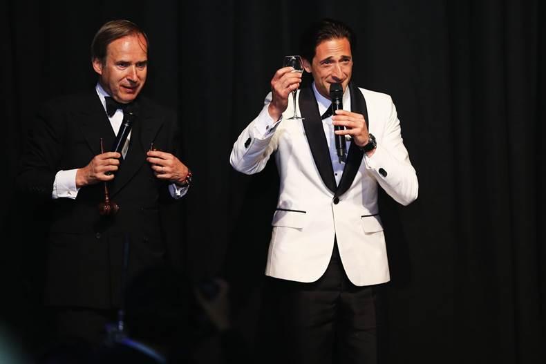 Adrien Brody subasta su reloj OCTO de Bulgari en la Gala Amfar de Cannes