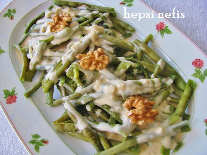 tahinli börülce salatası