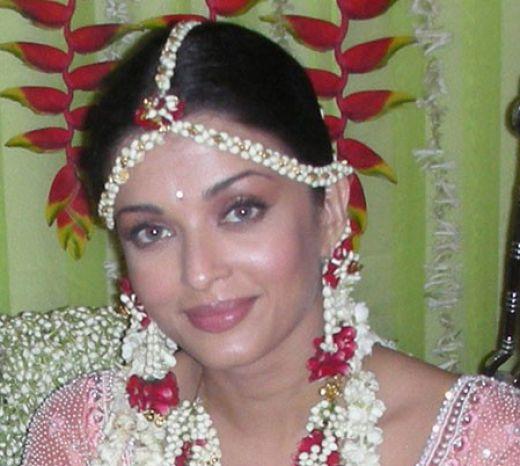 Aishwarya rai wedding dress for Aishwarya rai in her wedding dress