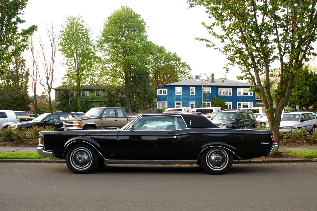 old parked cars 1969 lincoln continental mark iii. Black Bedroom Furniture Sets. Home Design Ideas