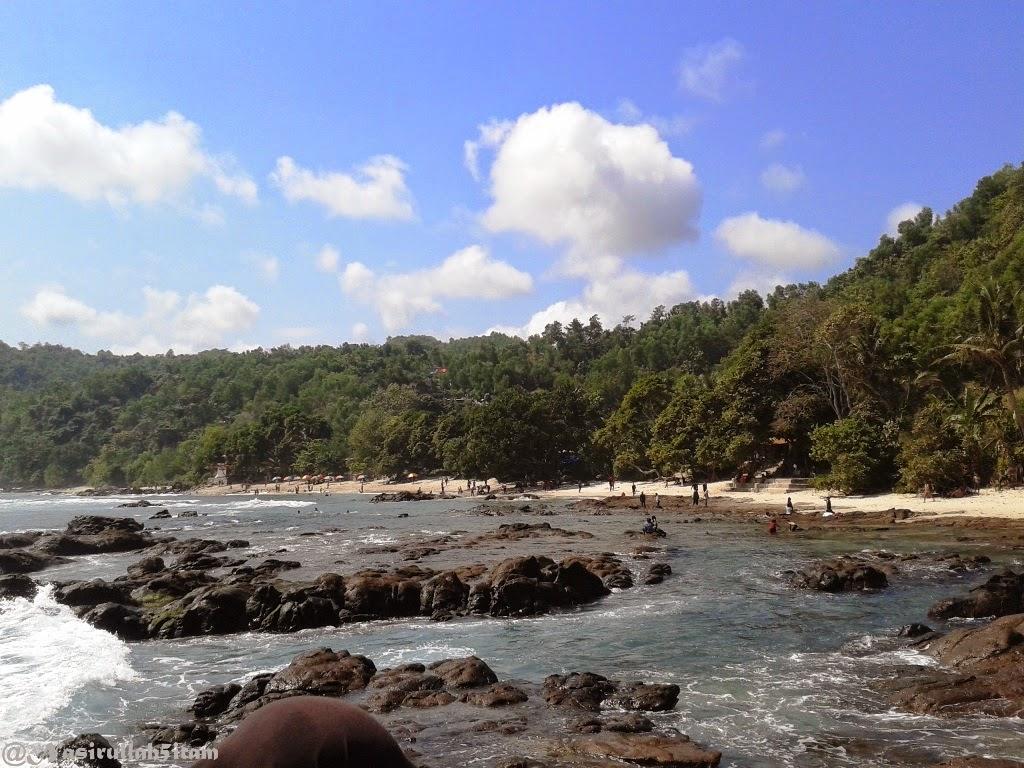 Pemandangan di pantai Wediombo, Gunungkidul