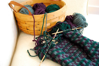 messy knitting - with three colors