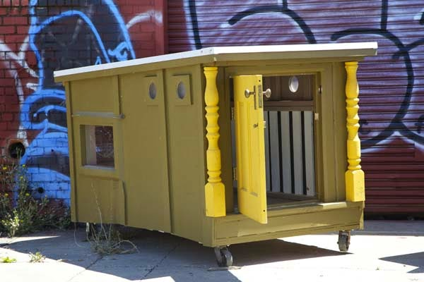 I've Seen People Turn Garbage Into Some Cool Stuff. But THIS…. This Is Absolute Brilliance. - even when they don't have a conventional house to work with