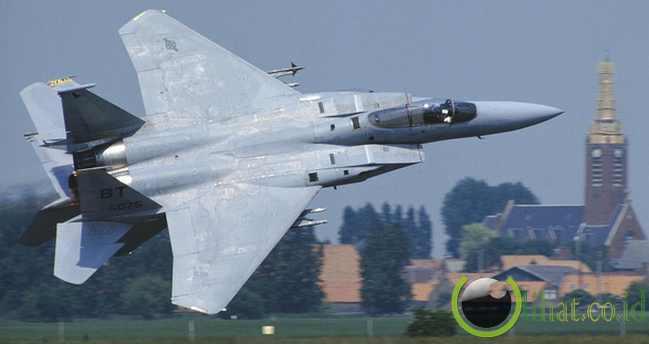 F-15 Eagle – Mach 2.5