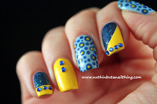 polka dot glitter nails