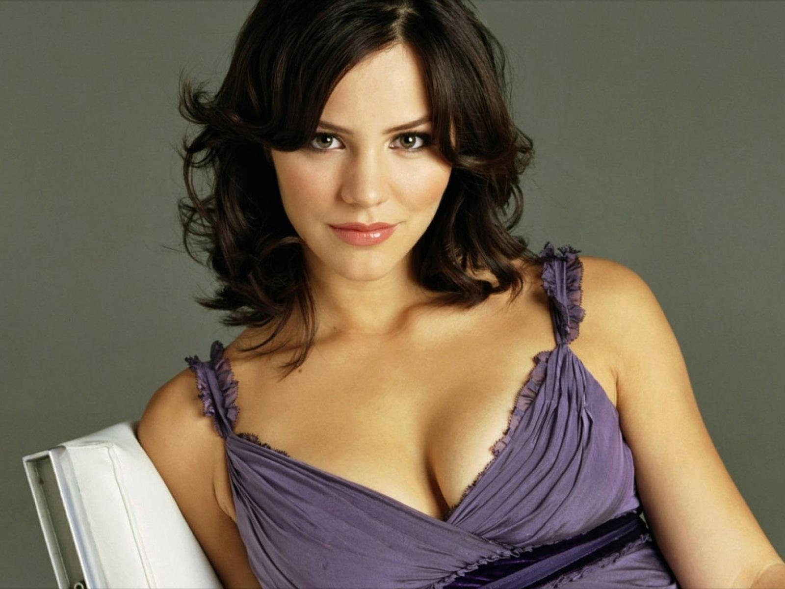 http://1.bp.blogspot.com/-G3lRlcyORz8/Tgs7Y6IdvgI/AAAAAAAAAmg/iuVJZoLSPsM/s1600/Katharine_Mcphee.jpg
