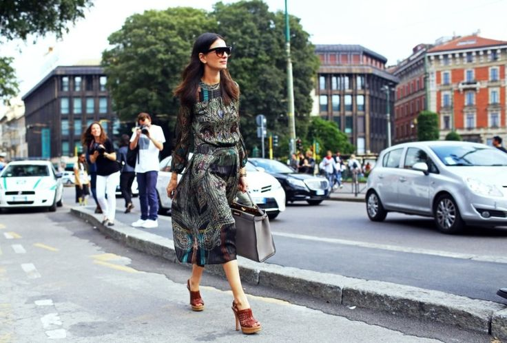 http://www.vogue.com/slideshow/1485485/street-style-milan-fashion-week-spring-2015/#6