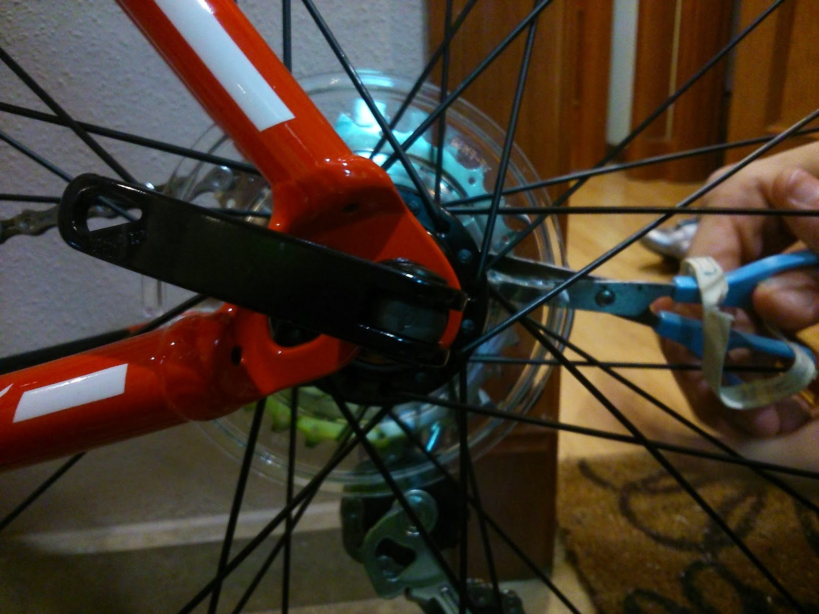 plastico protector rueda atras bicicleta