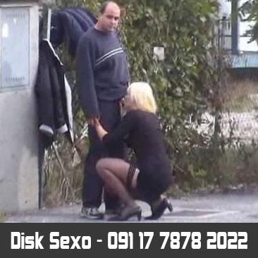 Prostituta Chupando No Meio Da Rua
