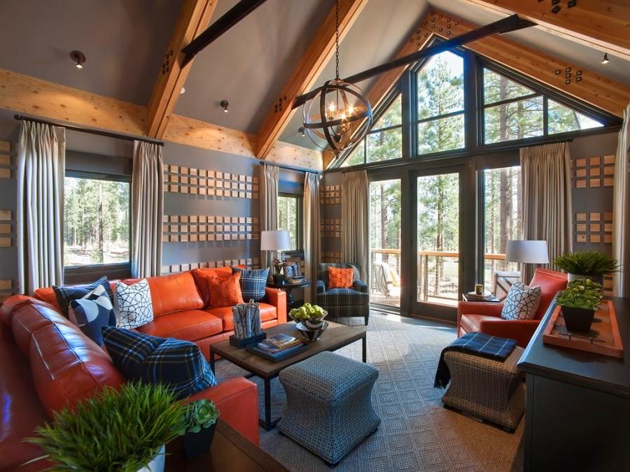 dom, wnętrza, wystrój wnętrz, dom drewniany, duże okna, styl klasyczny, salon, kanapa