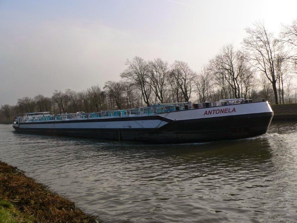 Schiff Frachtschiff Antonela Wasser