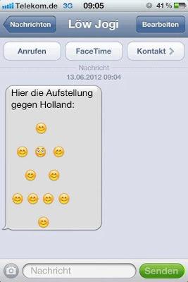 Deutsche Nationalmannschaft bei Whatsapp Mesut Özil.