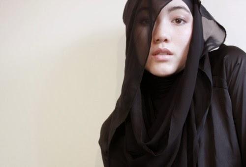 fesyen tudung terkini atau fesyen tudung kontemporari semakin menjadi