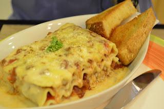 Teacup Café:Meaty Lasagna