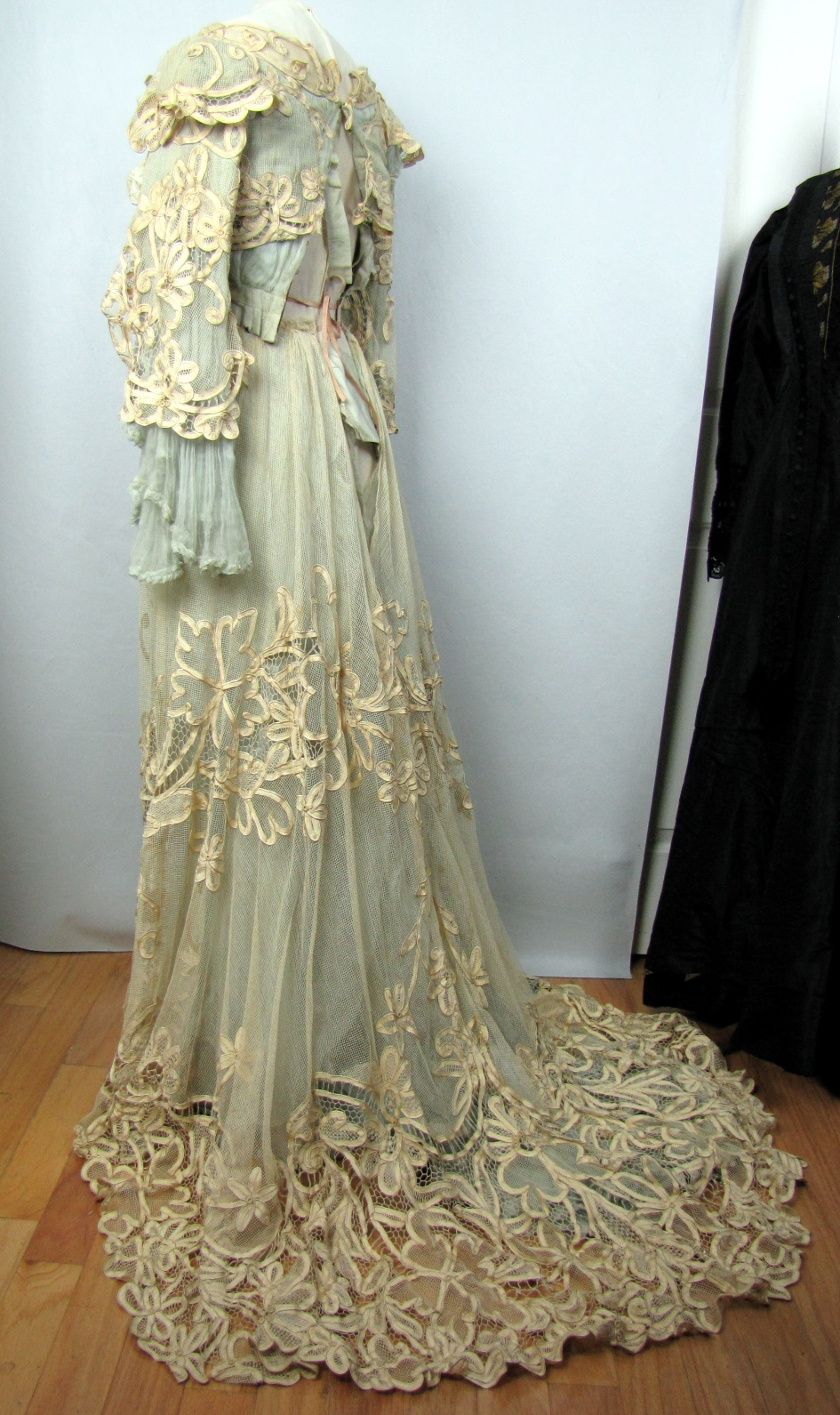 Real Victorian Dresses