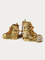 RTO, Человек, который любил разные ботинки