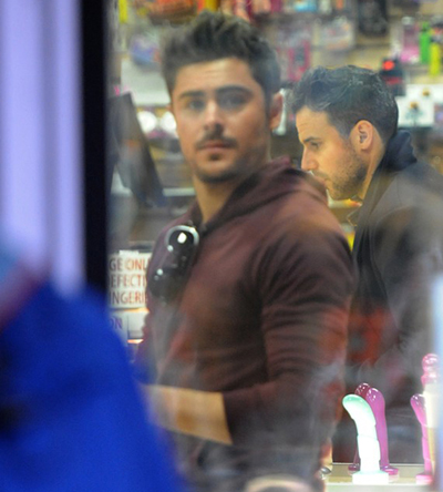 Zac Efron And Vanessa Hudgens In A Sex Shop 3