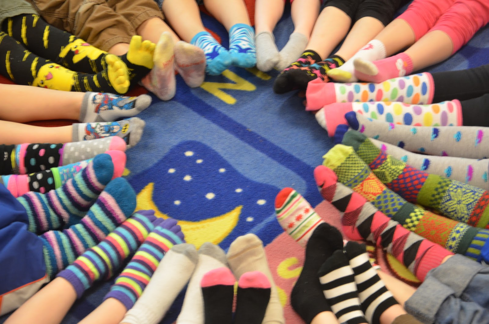 Place Called Kindergarten: crazy socks day...