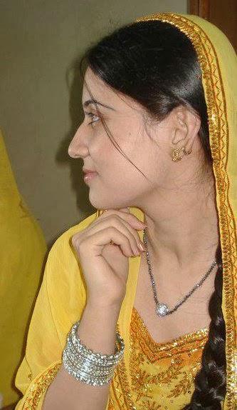 teen age nude bengali girl