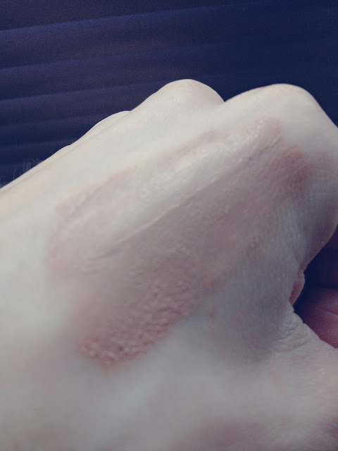 Max Factor Whipped Creme in Natural Swatch