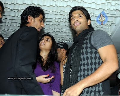 Allu Arjun Dancing at Pub