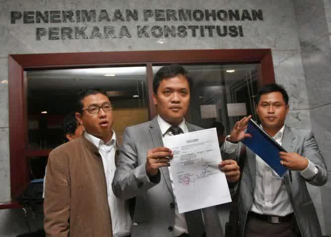 Gerinda Gugat Ahok Ke Mahkamah Konstitusi