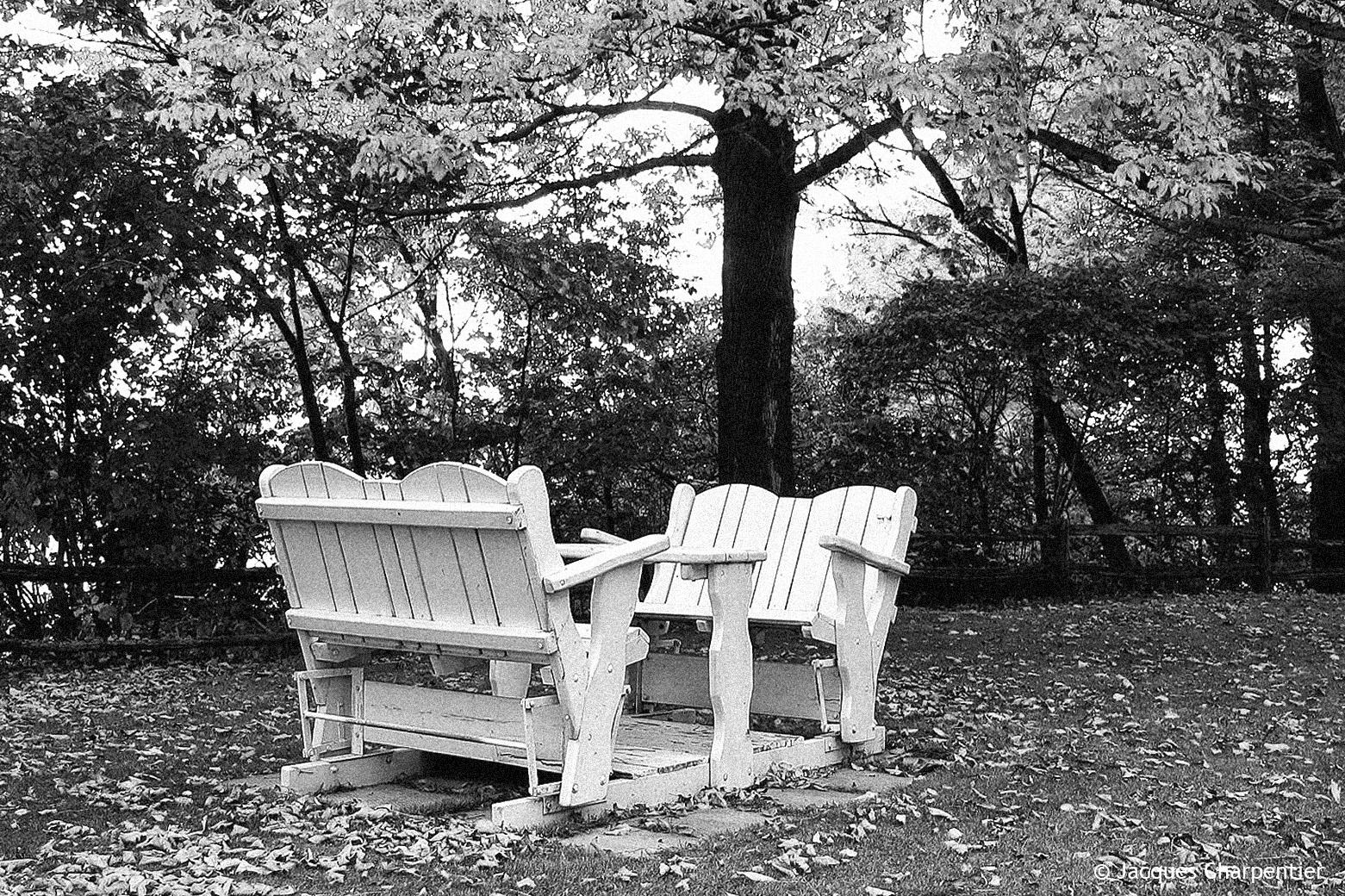 photo club mist fauteuils de jardin oscillants