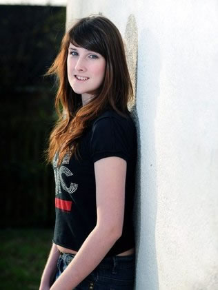 A britânica Jackie Green, de 18 anos, se tornou a 1ª transexual a chegar às semifinais do Miss Inglaterra (Foto: Ross Parry Agency)