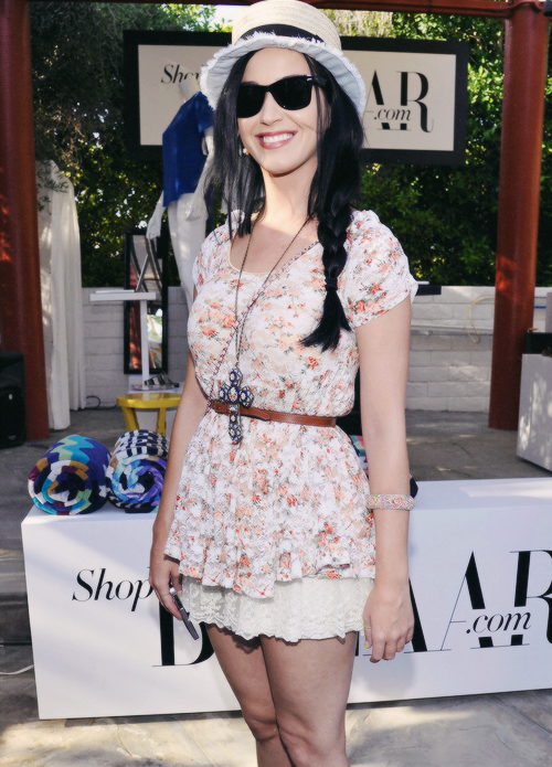 Katy Perry Casual Outfits 2013 Images Galleries With A Bite